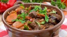 Burgundiškas mėsos troškinys