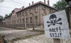 Koncentracijos stovykloje apsilankę turistai pasijuto pažeminti