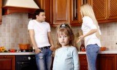 Klausk teisininko: ar po skyrybų galiu išsivežti vaiką į užsienį be jo tėvo sutikimo?