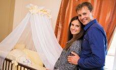 K. Kaikarienė N. Jušką ir jo sužadėtinę nustebino prašmatniu kūdikio laukimo vakarėliu