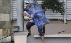 """Filipinuose siaučia taifūnas """"Hagupit"""""""