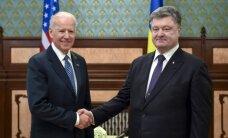 J. Bidenas ir P. Porošenka aptarė reformų Ukrainoje poreikį