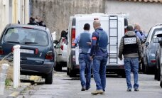 Prancūzijoje nušautas muitininkas, dar du policininkai sužeisti