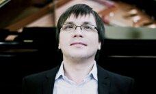 Pianistui A. Gryniukui atvykti į Lietuvą nesutrukdė ir lūžusi koja