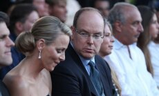 Monako kunigaikštis Albertas II su sužadėtine Charlene