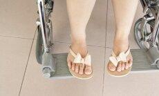Neįgali mergina