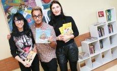 Žurnalo Panelė darbuotojai vaikams dovanoja knygų spintą