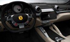 Bankininkai leido laiką prie Ferrari vairo