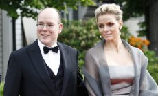Monako kunigaikštis Albertas II susižadėjo su Charlene Wittstock