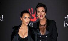 Kim Kardashian (kairėje) ir Kris Jenner