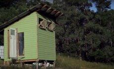 """<span style=""""color: #ff7f00;"""">Darau pats:</span> namas, pastatytas iš šiukšlyno radinių, nekainavo nė 400 eurų"""