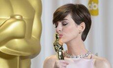 Geriausia antrojo plano aktorė Anne Hathaway