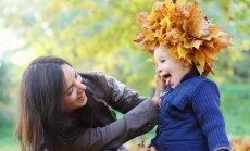 mama, vaikas, berniukas, ruduo,  lapai, vaikystė