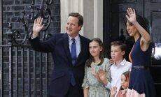 Davidas Cameronas su šeima