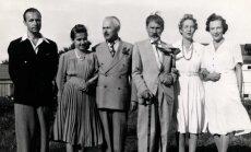 Iš dešinės: Jadvyga Tūbelienė, Sofija Smetonienė, Antanas Smetona