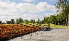 Projektas Venstpilyje - augalai susodinti taip, kad atkartoja senovinių papuošalų raštus