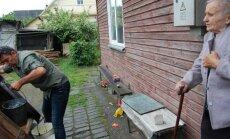 Pabėgėlių šeima susidraugavo su vieniša senole Valentina