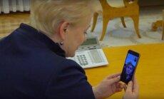 Dalia Grybauskaitė kalbasi su Donatu Montvydu