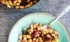 Šiltos salotos – pupelių ir obuolių duetas