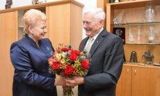 Prezidentė pasveikino Prezidentą Valdą Adamkų 90 metų jubiliejaus proga
