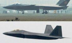 Kinijos naikintuvas J-20 ir JAV naikintuvas F-22 Raptor