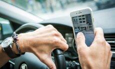 Specialistai nerimauja dėl telefono naudojimo vairuojant mastų