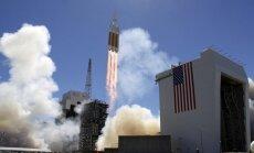 """Iš Kalifornijos pakilo raketa """"Delta IV"""" su šnipinėjimo palydovu"""