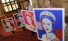 Didžiosios Britanijos karališkąją kolekciją papildė Warholo karalienės portretai