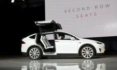 Šį kartą į avariją papuolė Tesla Model X