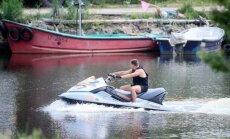 Aplinkosaugininkai paaiškino, kur negalima plaukti vandens motociklu