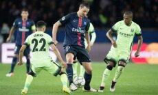 Zlatanas Ibrahimovičius varžovų apsuptyje