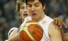 Simas Jasaitis (Maccabi) stabdo Dejaną Bodiroga (Lottomatica)