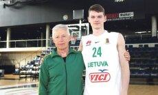 Domas Šelekas su treneriu Kastyčiu Kundrotu (muge.eu nuotr.)
