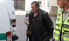Karmėlavos siaubūno brolis atvežtas į teismą
