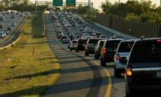Netrukus JAV greitkeliuose gali imti sparčiai mažėti vairuotojų
