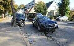 Telšiuose į avariją pateko policijos pareigūnas