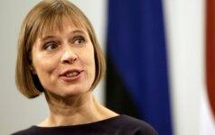 Estijos vadovė per vizitą Rygoje akcentavo energetinės nepriklausomybės ir NATO batalionų svarbą