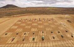 Ispanijoje šachmatų figūromis tapo traktoriai