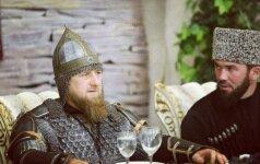 Ramzanas Kadyrovas glumino savo naujuoju įvaizdžiu