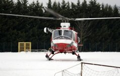 Žiniasklaida: vidurio Italijos kalnuose sudužo gelbėtojų sraigtasparnis