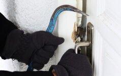 Pagrindinės namų saugos klaidos: nerakinamos durys, prastai įrengti seifai ir neįjungta signalizacija