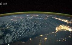 Astronauto vaizdo įrašas: kaip atrodo audra ir žaibai iš kosmoso