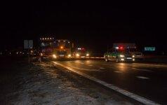 Avarija kelyje Vilnius-Panevėžys: vienas vairuotojas sužalotas, kitas žuvo