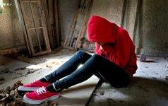 Vyrai ir moterys problemas sprendžia skirtingai: yra ir stipresnių gniaužtų nei alkoholis