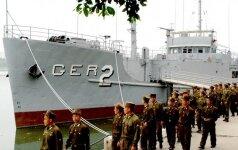 Šiaurės Korėja demonstruoja į nelaisvę paimtą amerikiečių laivą