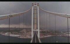 Turkijoje atidarytas vienas ilgiausių pasaulyje kabančių tiltų