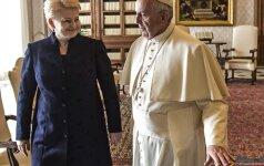 Prezidentė Vatikane dalyvauja popiežiaus apdovanojimo ES prizu ceremonijoje