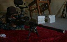 """Irako snaiperių kova su """"Islamo valstybe"""" ir kokia taktika naudojama siaurose Mosulo gatvėse"""