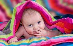 Kokias dvi spalvas skiria naujagimis, ir kaip spalvos apskritai veikia vaikus?