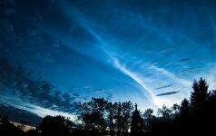 Birželio dangus. Baltosios naktys, astronominė vasara ir sidabriškieji debesys